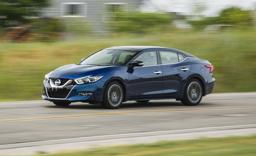 Nissan Altima Reviews Car And Driver