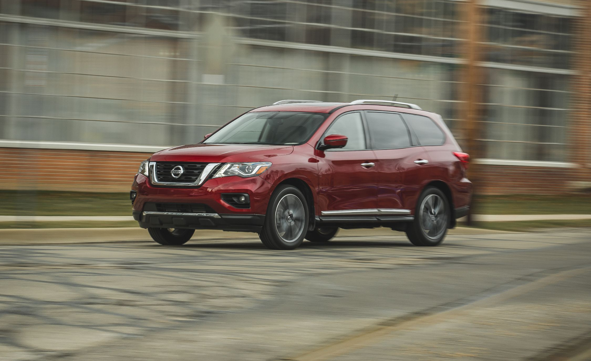 Nissan Pathfinder Reviews | Nissan Pathfinder Price, Photos, and ...
