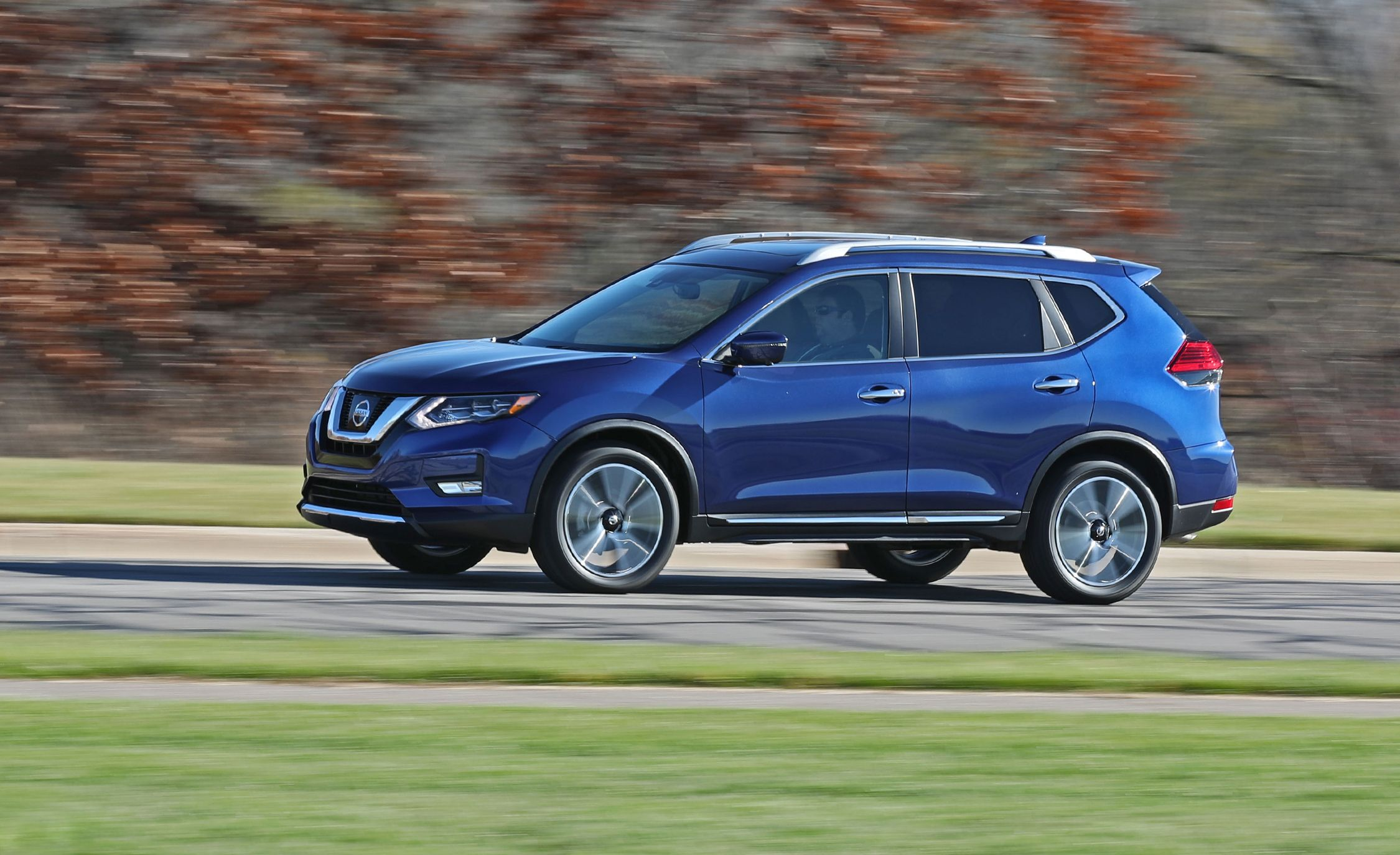 Nissan Rogue 2018 >> 2018 Nissan Rogue In Depth Model Review Car And Driver