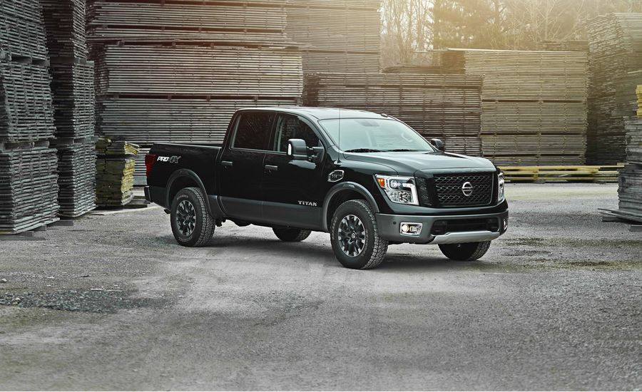2018 nissan titan in depth model review car and driver. Black Bedroom Furniture Sets. Home Design Ideas