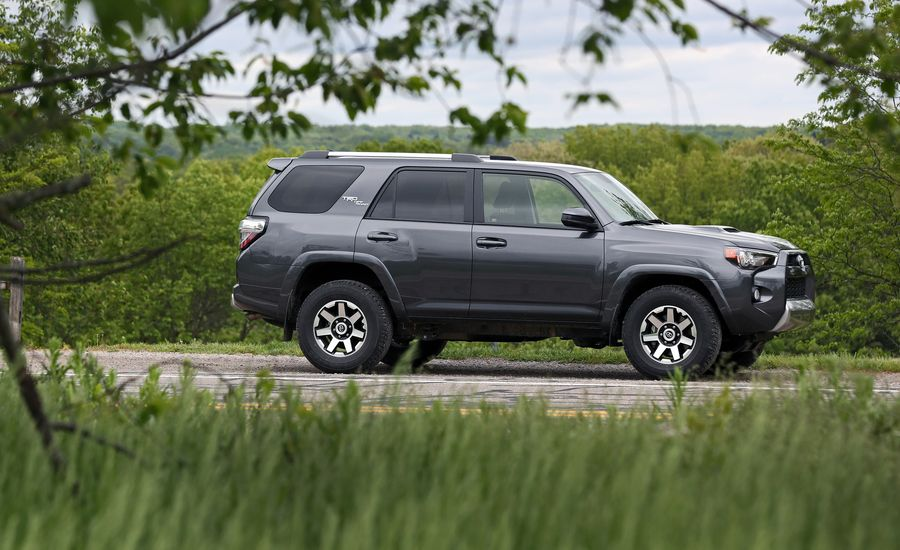 2018 toyota 4runner in depth model review car and driver. Black Bedroom Furniture Sets. Home Design Ideas