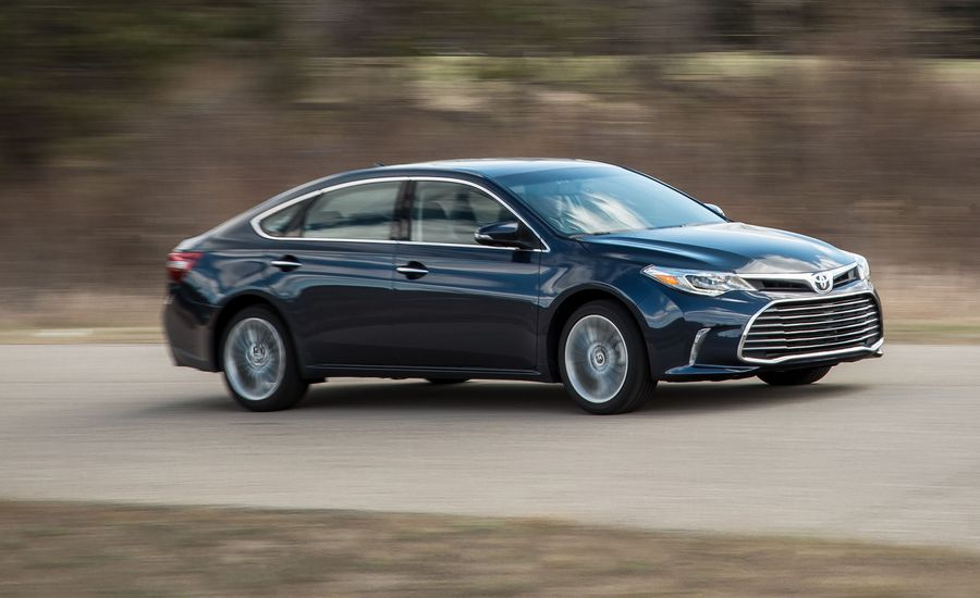 2018 toyota avalon in depth model review car and driver. Black Bedroom Furniture Sets. Home Design Ideas