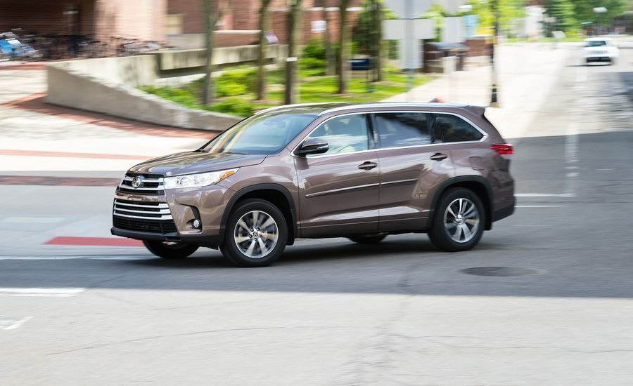 2018 Toyota Highlander In Depth Model Review Car And Driver