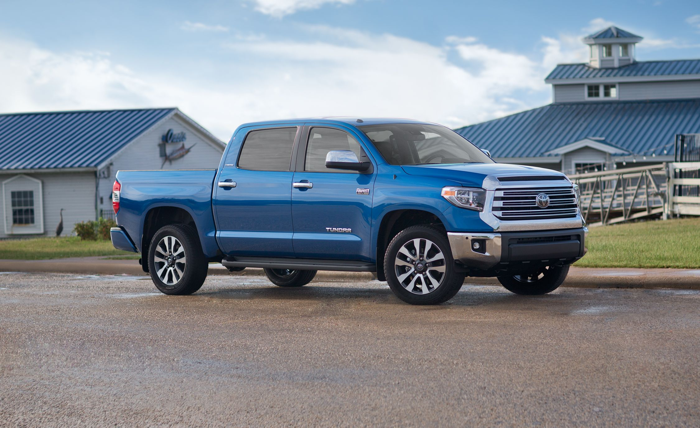 2018 Toyota Tundra In Depth Model Review Car And Driver