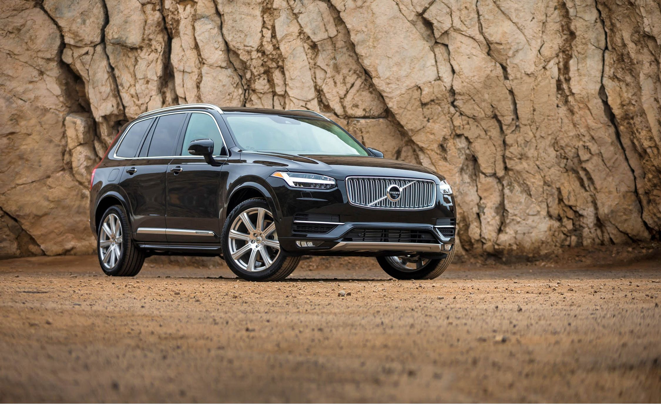2018 volvo xc90 in depth model review car and driver. Black Bedroom Furniture Sets. Home Design Ideas