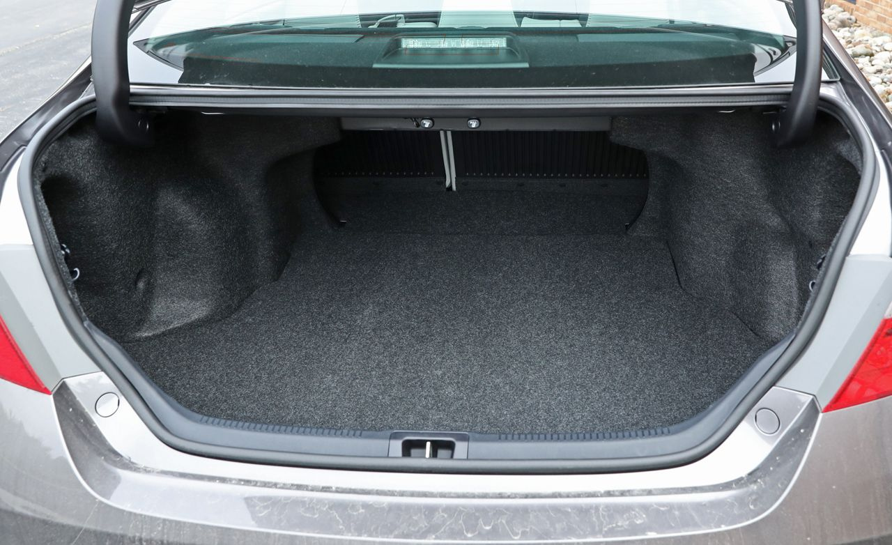 2017 Toyota Camry Trunk Dimensions