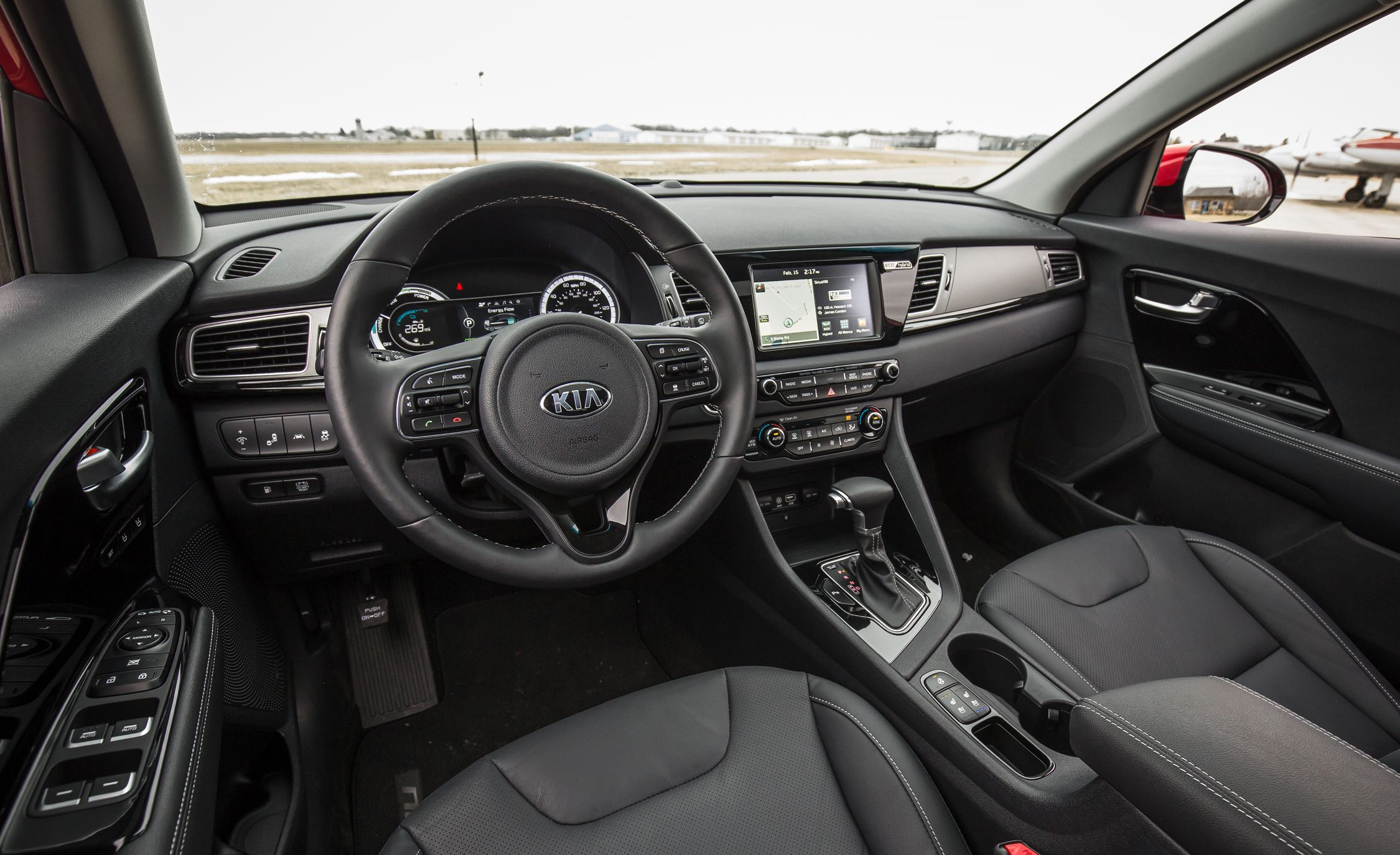 Kia Performance Center >> 2017 Kia Niro | Interior Review | Car and Driver