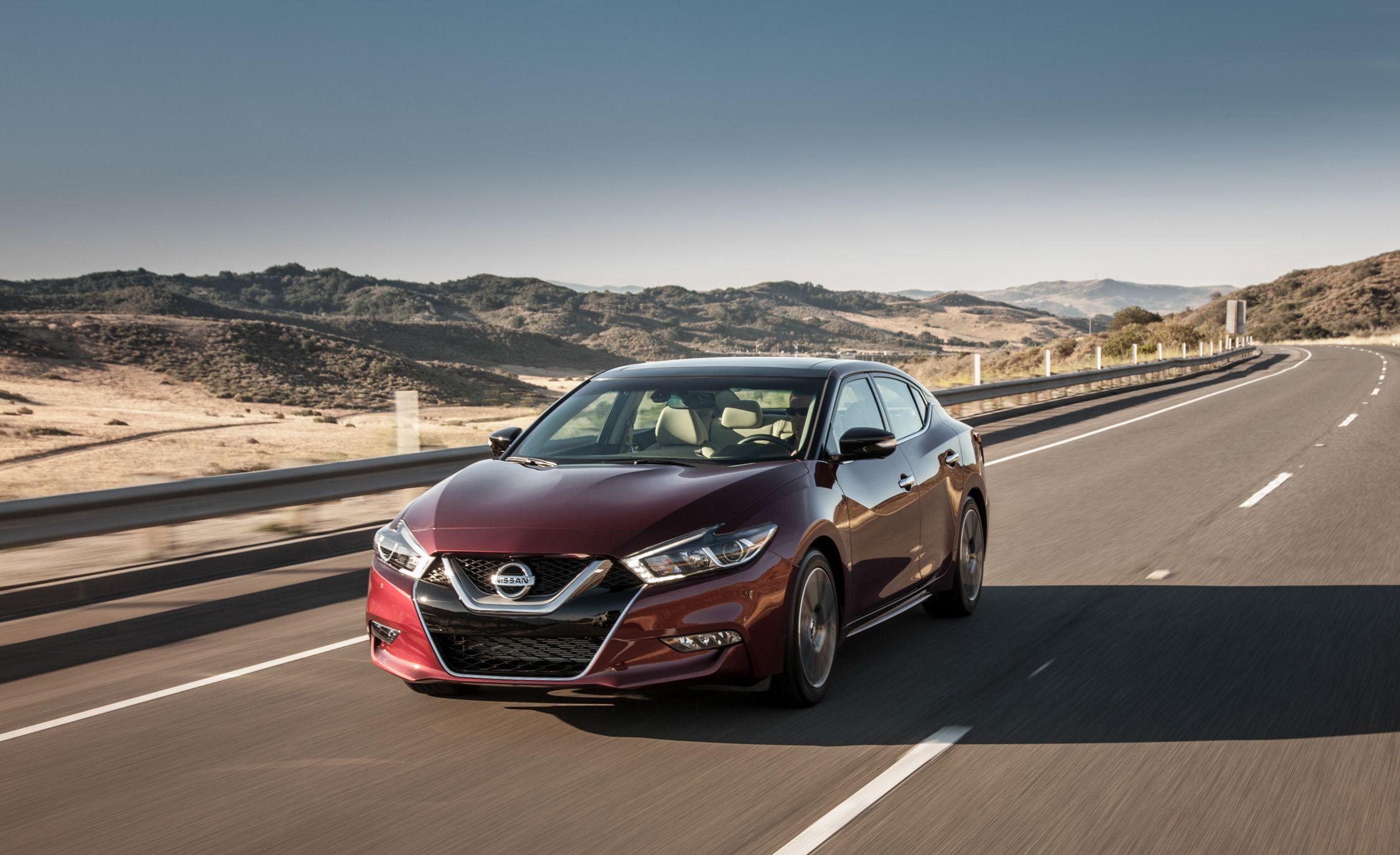 Nissan Maxima: Avoiding collision and rollover