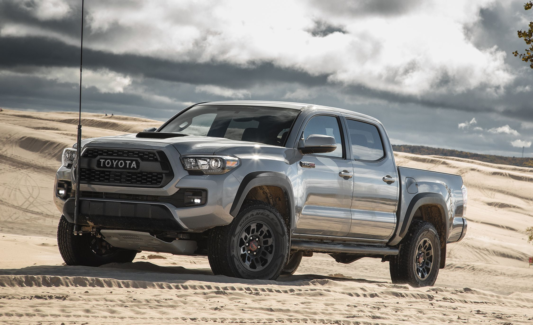 Tacoma Back Pages >> 2017 Toyota Tacoma Interior Review Car And Driver