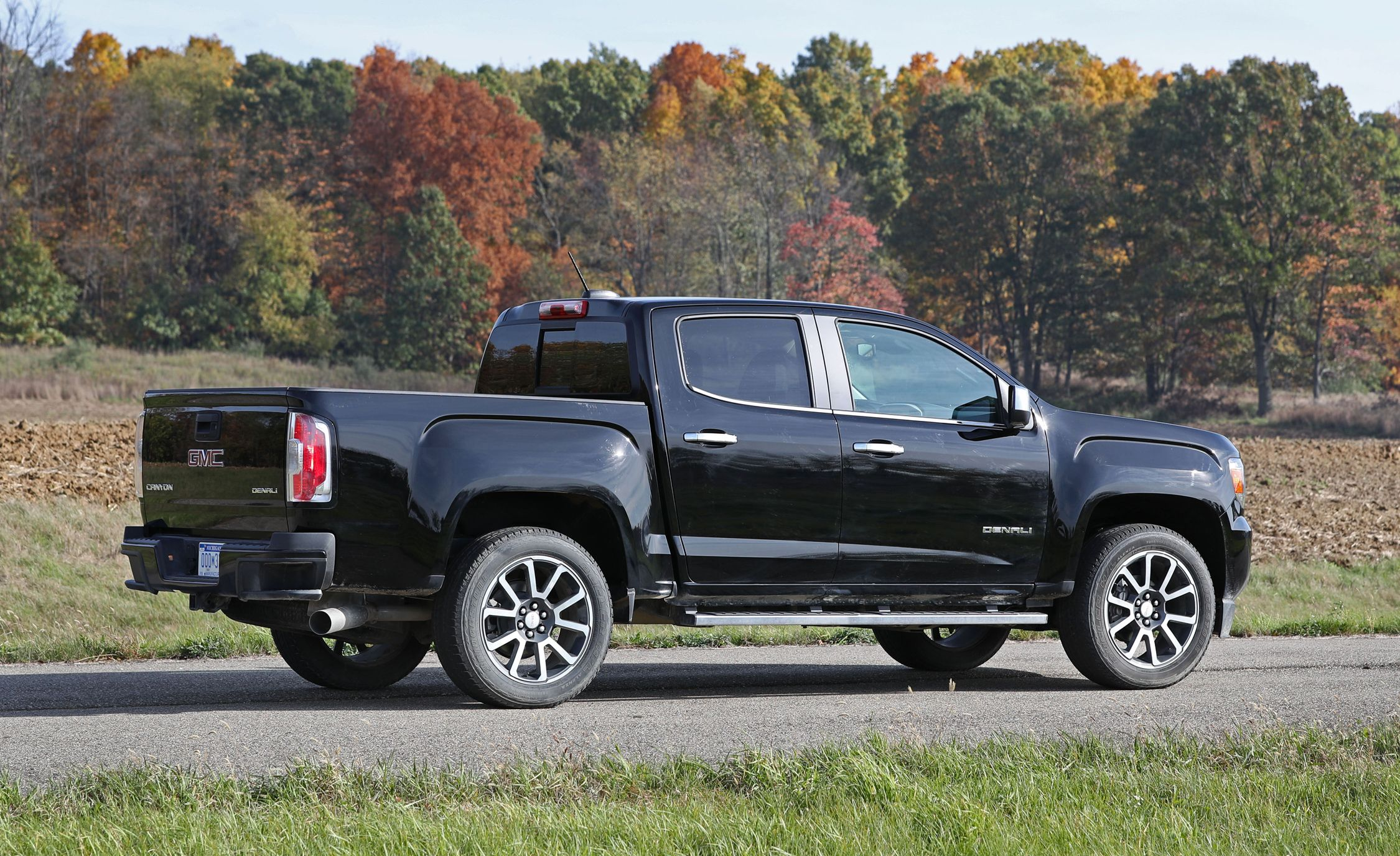 2017 GMC Canyon In Depth Model Review