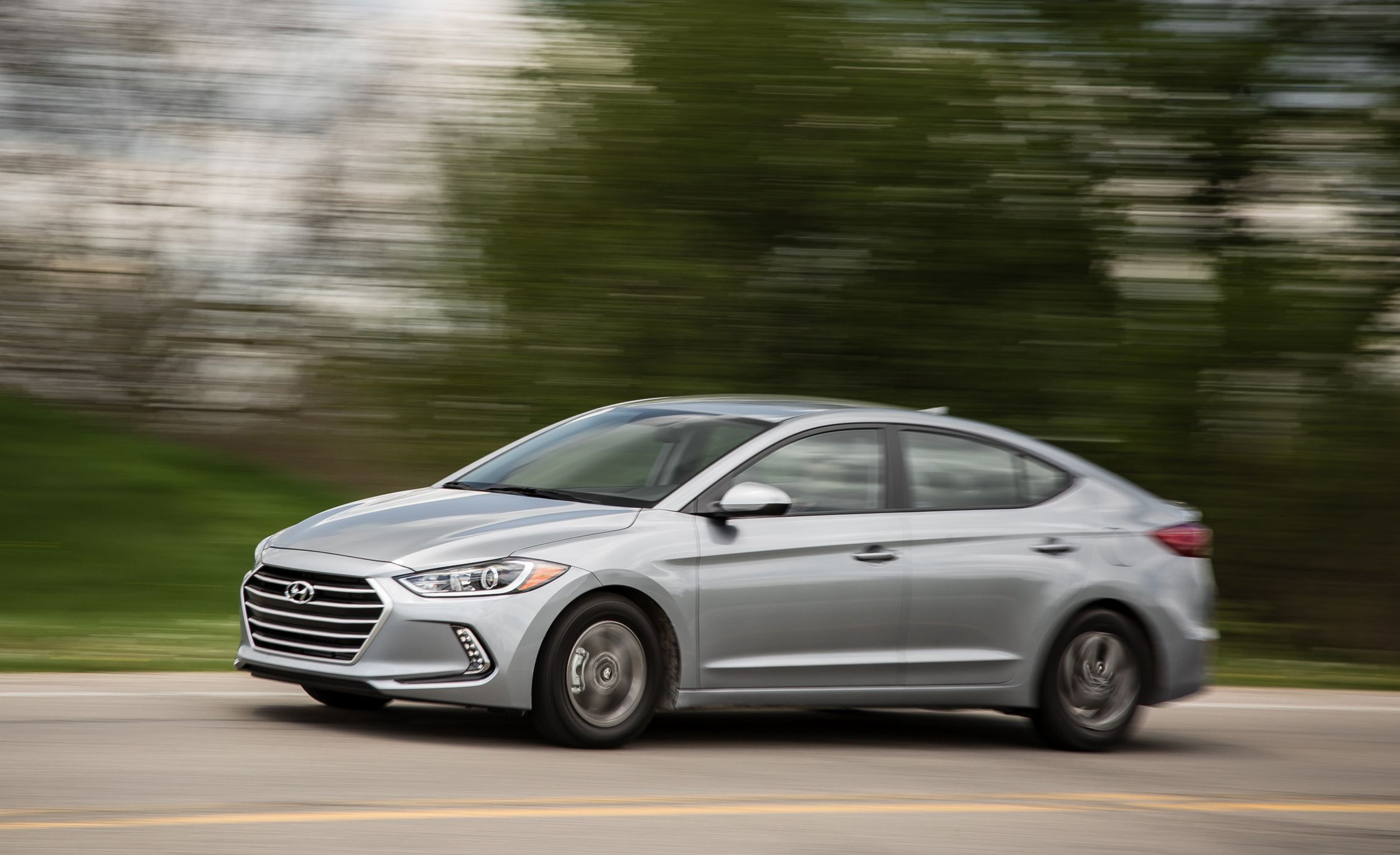 Hyundai Elantra: Good driving practices