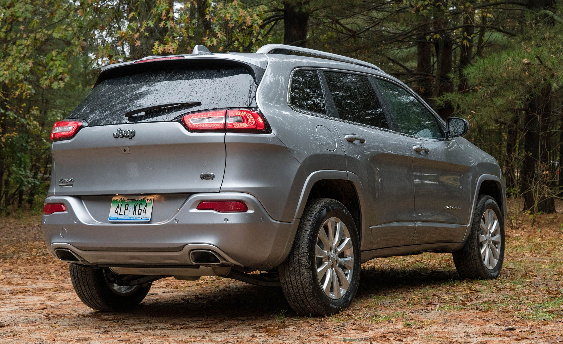 2017 jeep cherokee | in-depth model review | car and driver