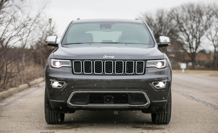 2017 jeep grand cherokee uconnect infotainment review car and driver. Black Bedroom Furniture Sets. Home Design Ideas
