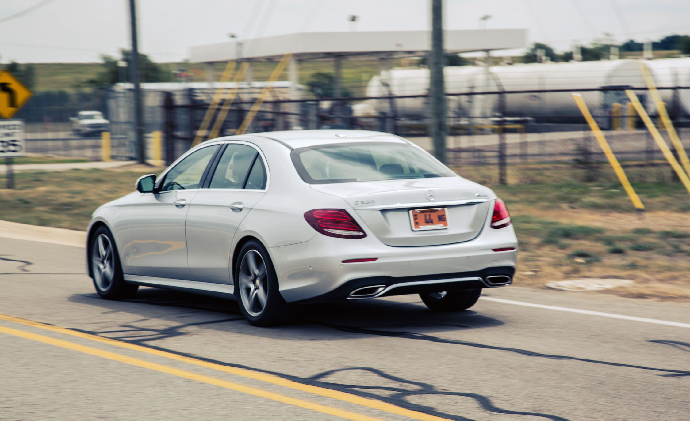 Mercedes-Benz E-Class: Determining the correct load limit