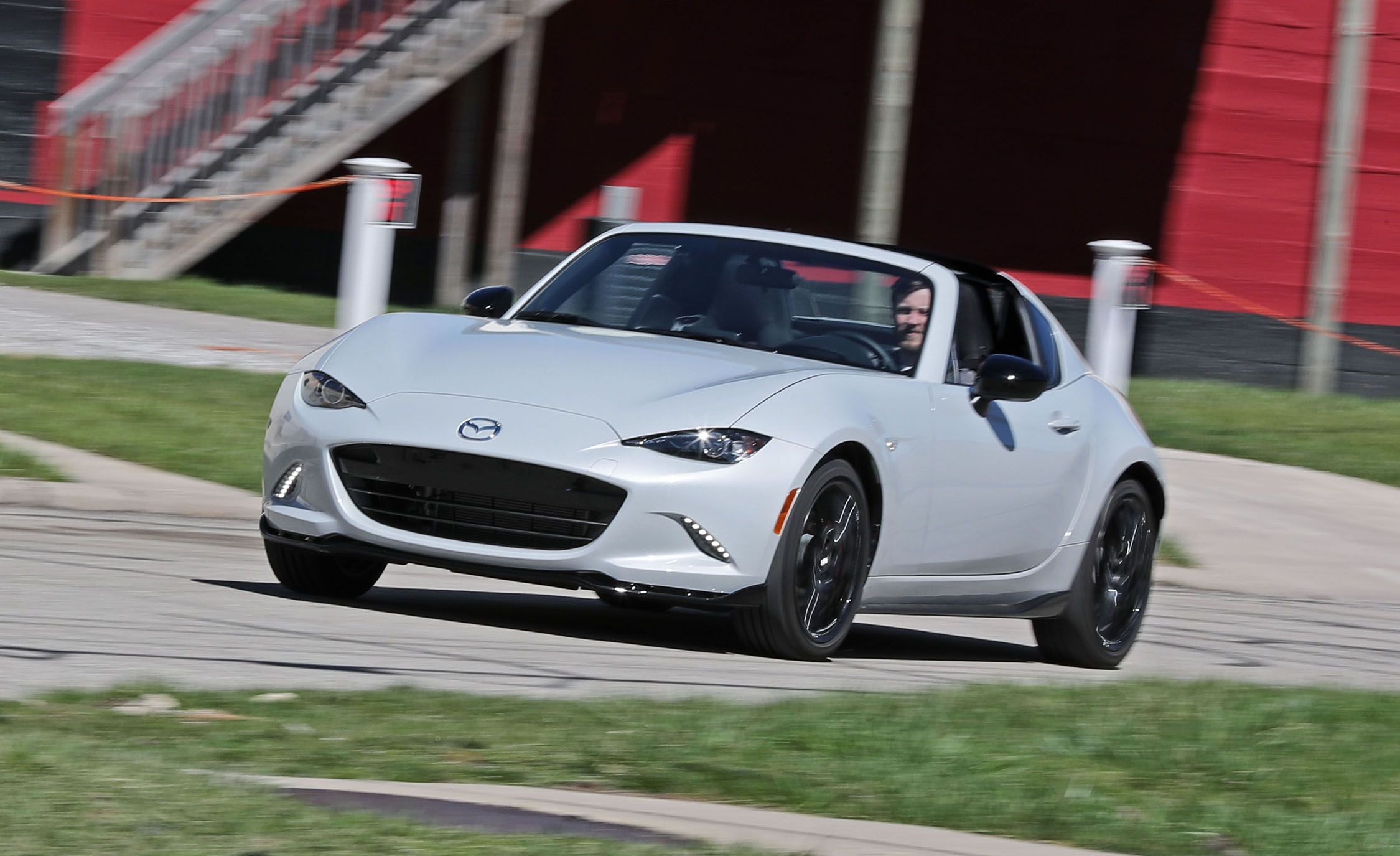 2018 Fiat 124 Spider In Depth Model Review Car And Driver Garage Wiring Diagram 2017 Best Cars Reviews