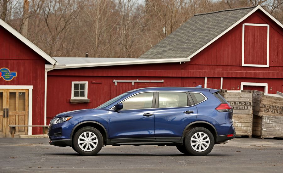 2017 nissan rogue interior review car and driver. Black Bedroom Furniture Sets. Home Design Ideas