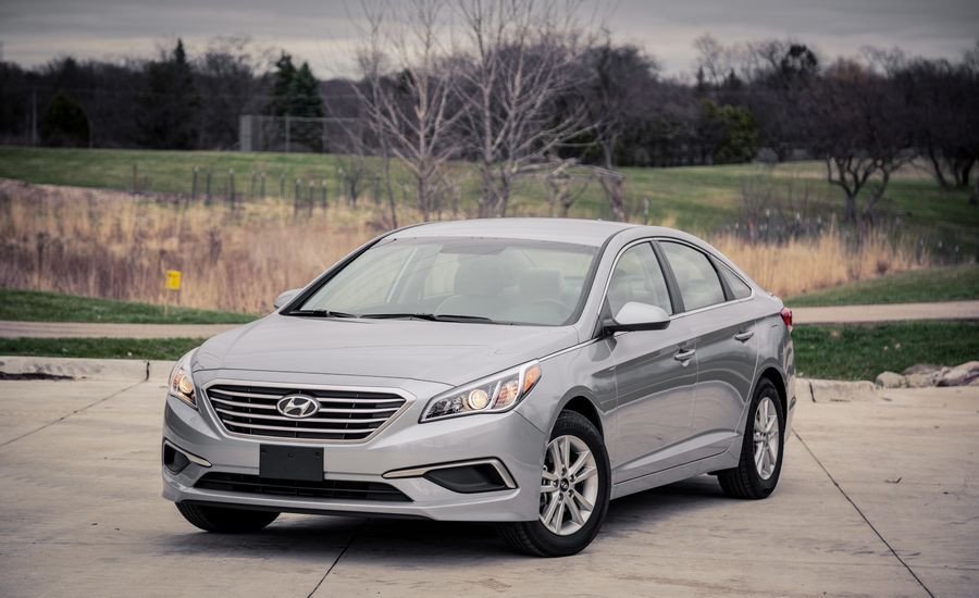 2017 hyundai sonata exterior review car and driver. Black Bedroom Furniture Sets. Home Design Ideas