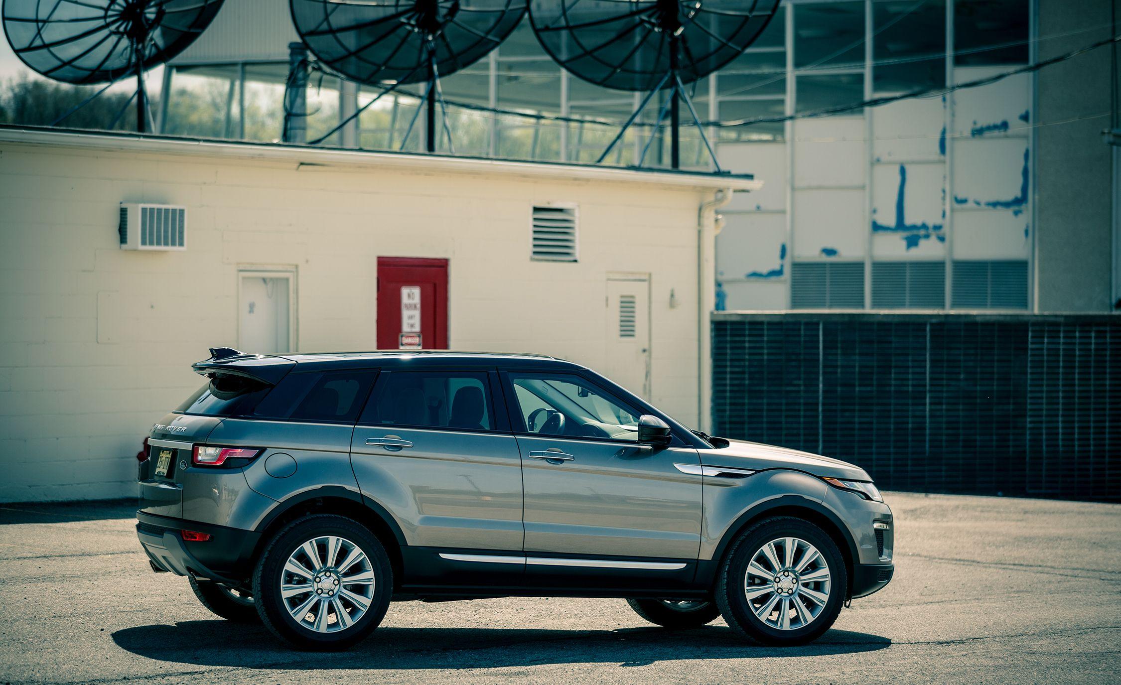 Range Rover Evoque Interior >> 2017 Land Rover Range Rover Evoque In Depth Model Review Car
