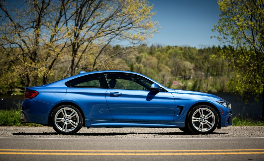 BMW Series InDepth Model Review Car And Driver - Bmw 4 series interior