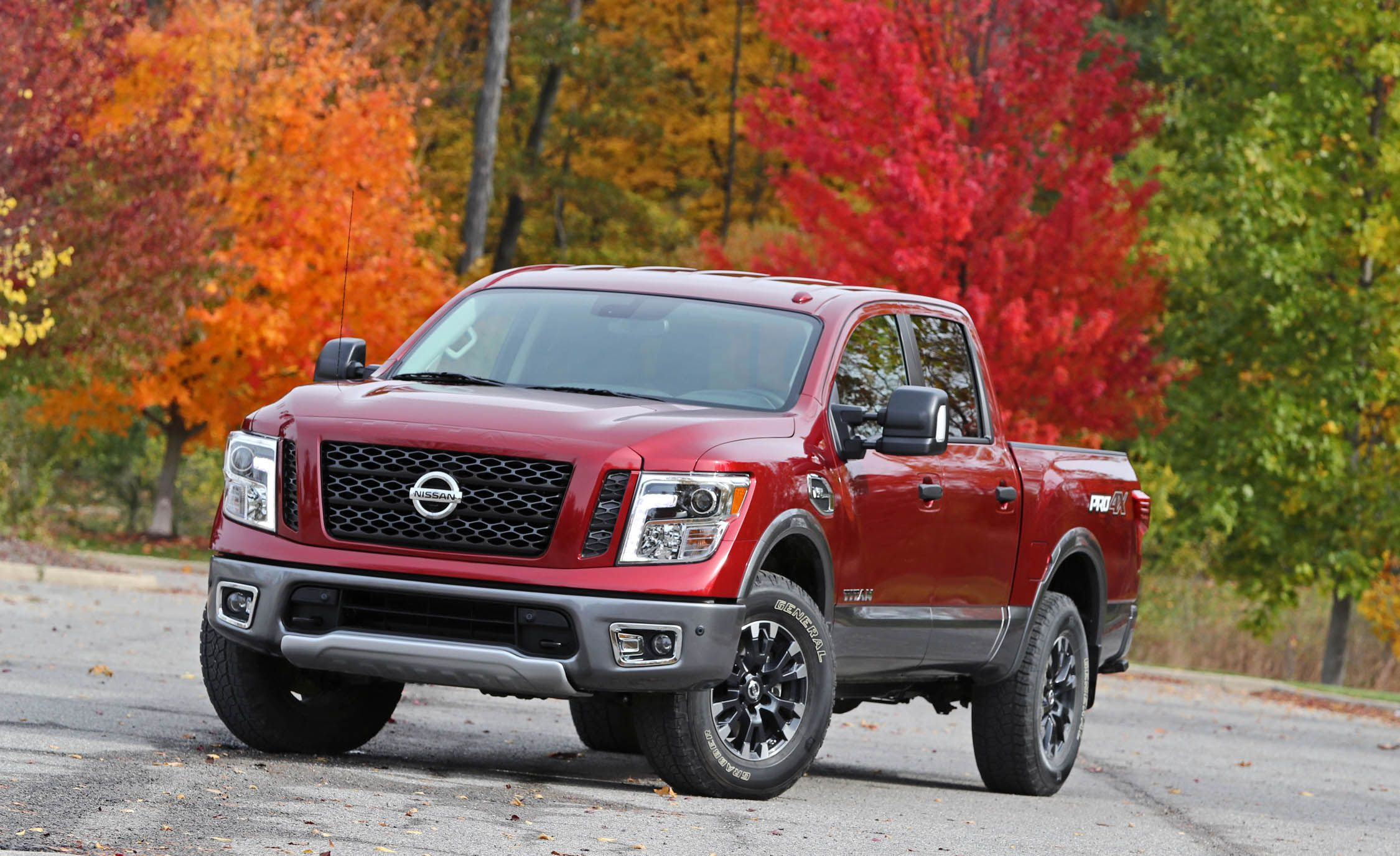 2017 nissan titan safety and driver assistance review car and driver. Black Bedroom Furniture Sets. Home Design Ideas