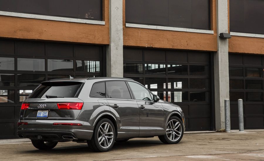 2017 Audi Q7 Interior Review Car And Driver
