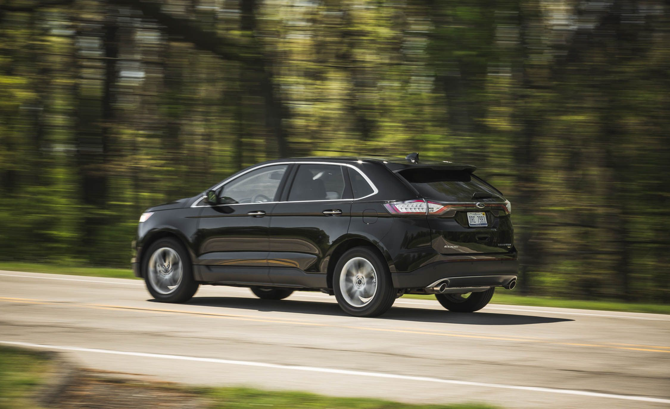 Ford Edge Gas Mileage >> 2017 Ford Edge | Fuel Economy Review | Car and Driver