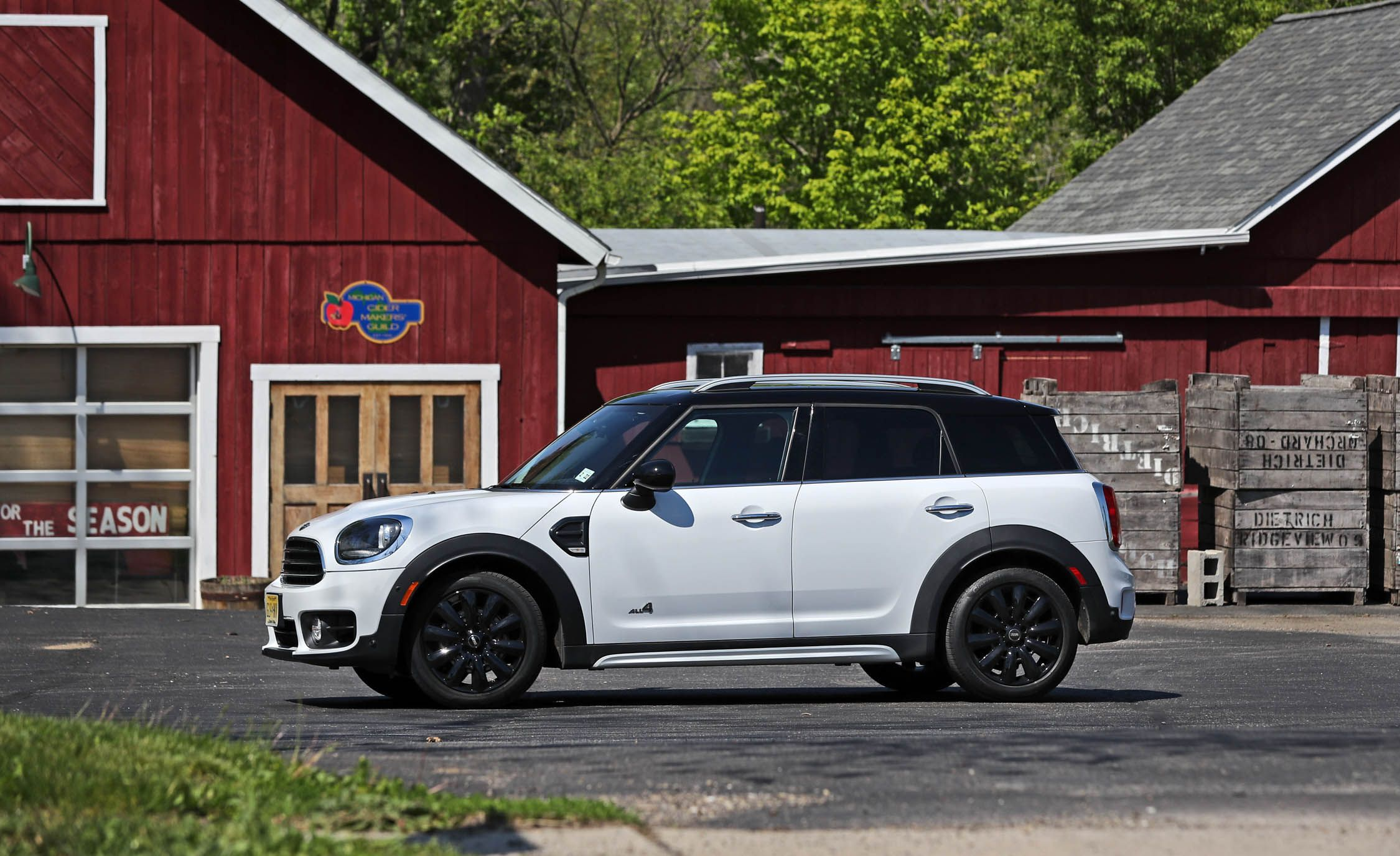 2017 Mini Cooper Countryman Interior And Penger E Review Car Driver
