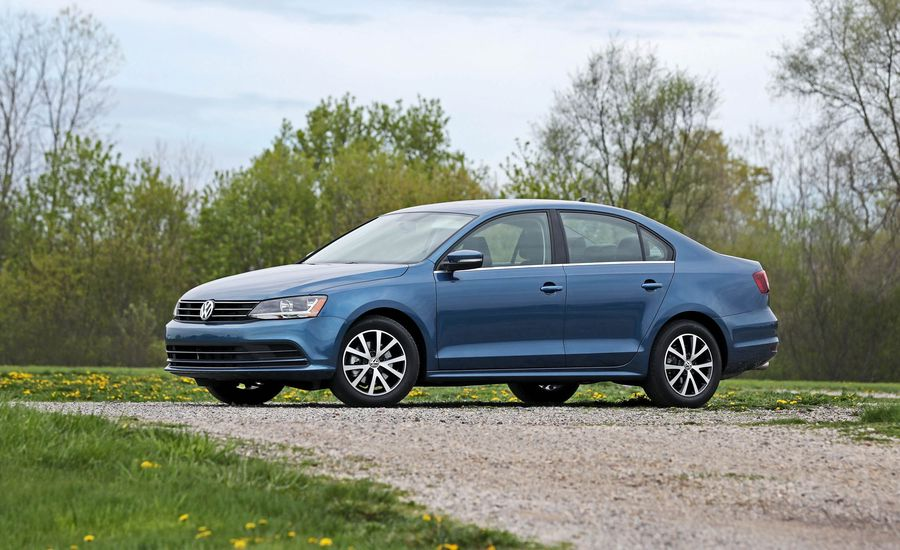 2017 Volkswagen Jetta Interior Review Car And Driver