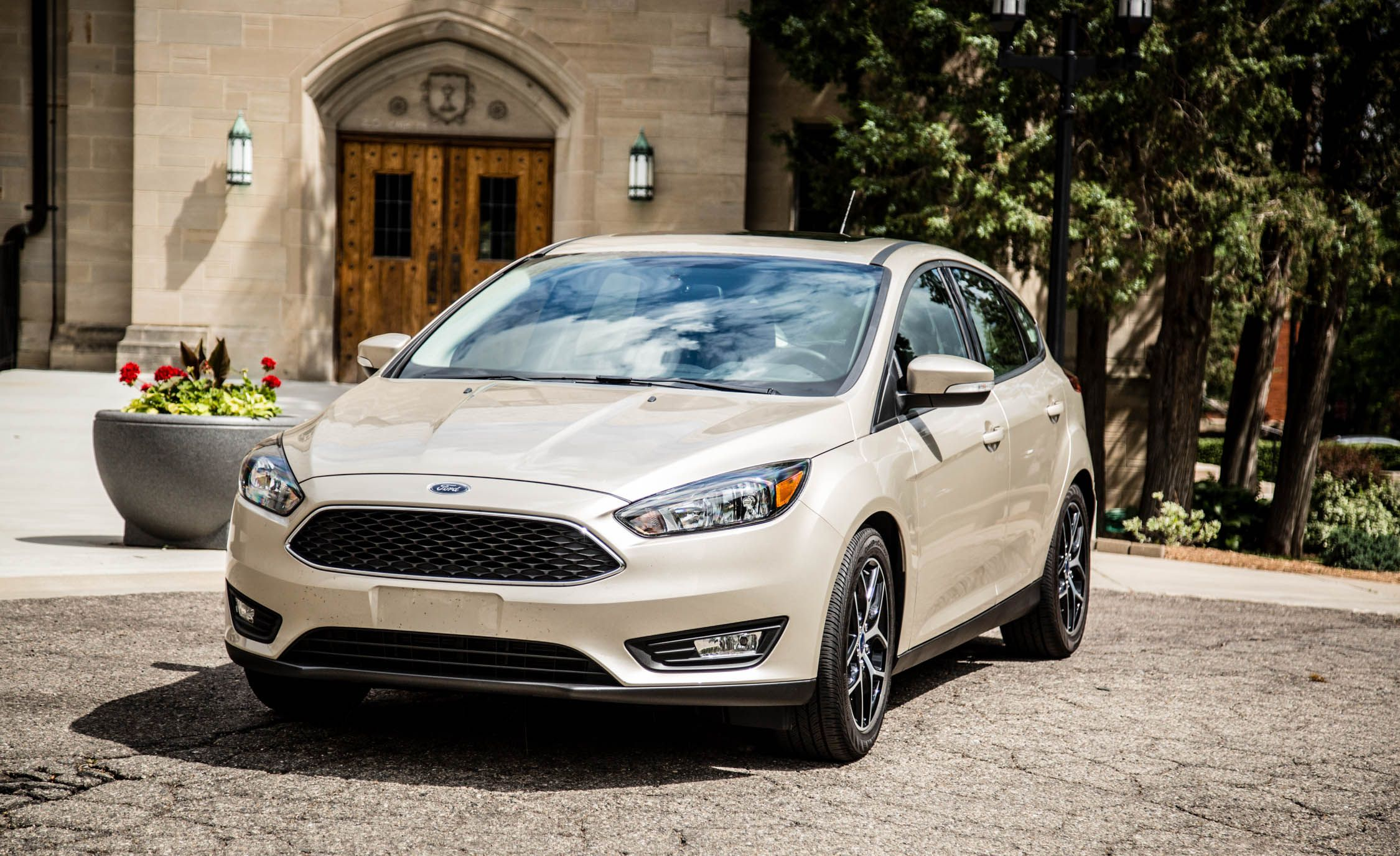 2016 ford focus 2 0l automatic hatchback review car and driver