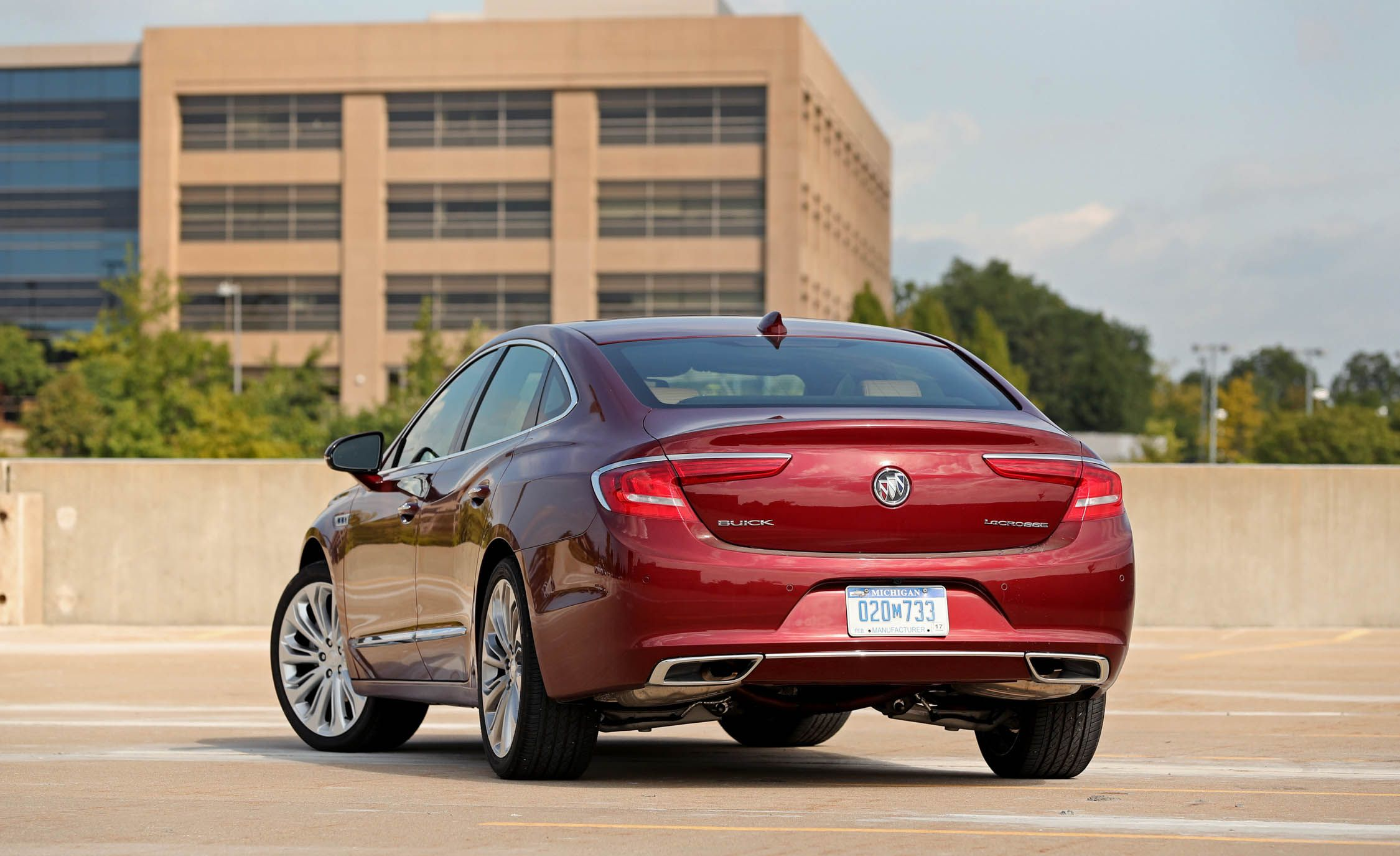 global buick lacrosse a lifestyle ultimate review quiet