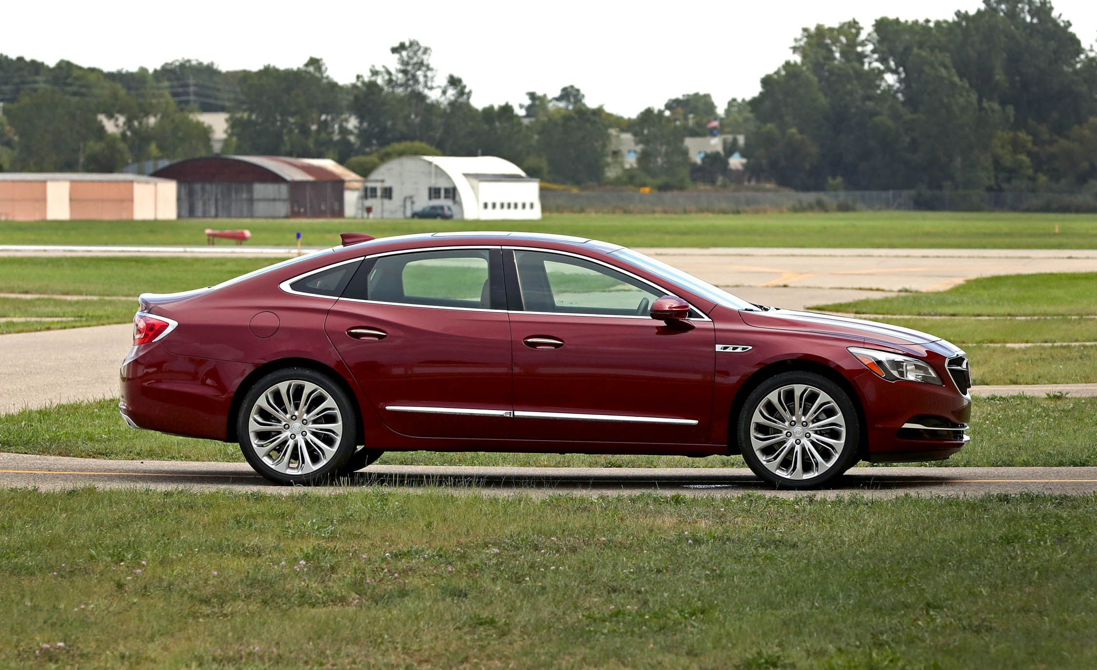 2017 Buick Lacrosse Interior Review Car And Driver