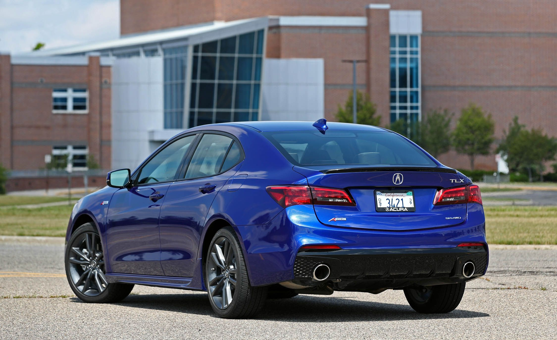 Acura TLX InDepth Model Review Car And Driver - 2018 acura tl 19 inch wheels