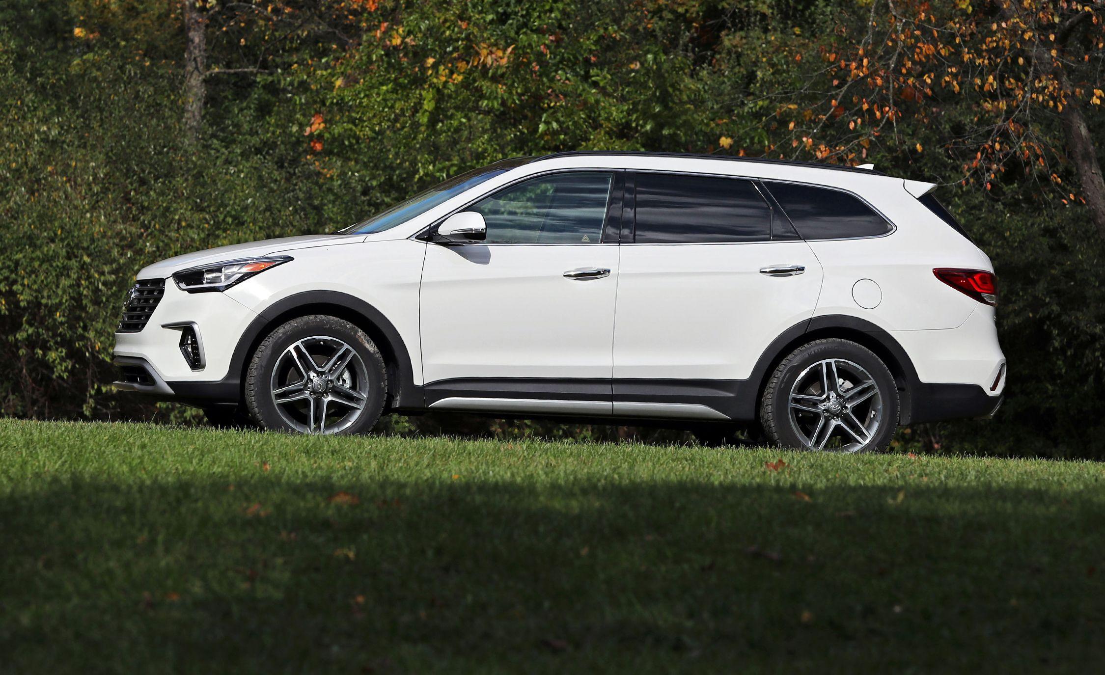 2018 Hyundai Santa Fe Interior Review Car And Driver