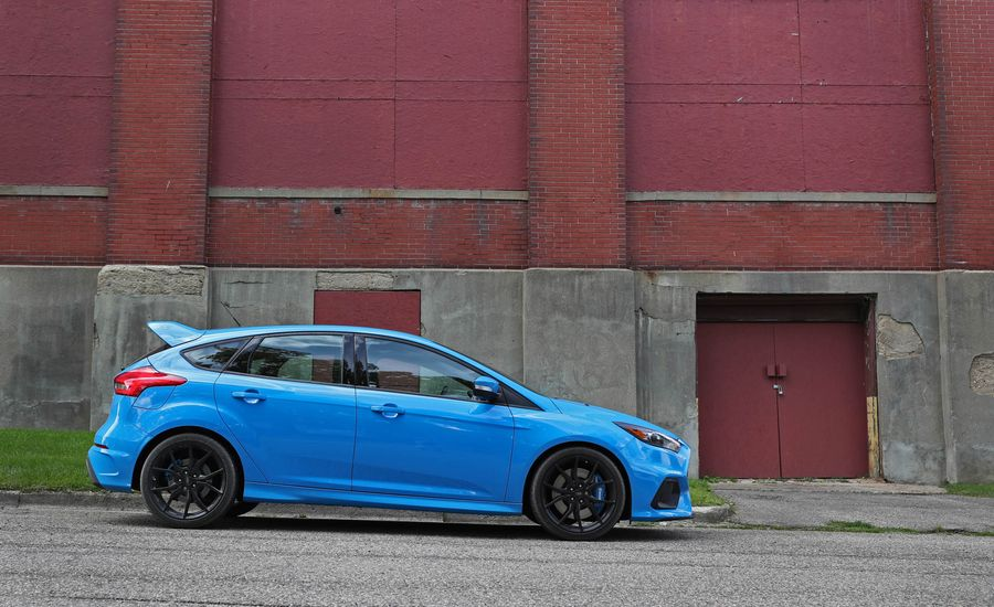 2017 ford focus rs fuel economy review car and driver. Black Bedroom Furniture Sets. Home Design Ideas