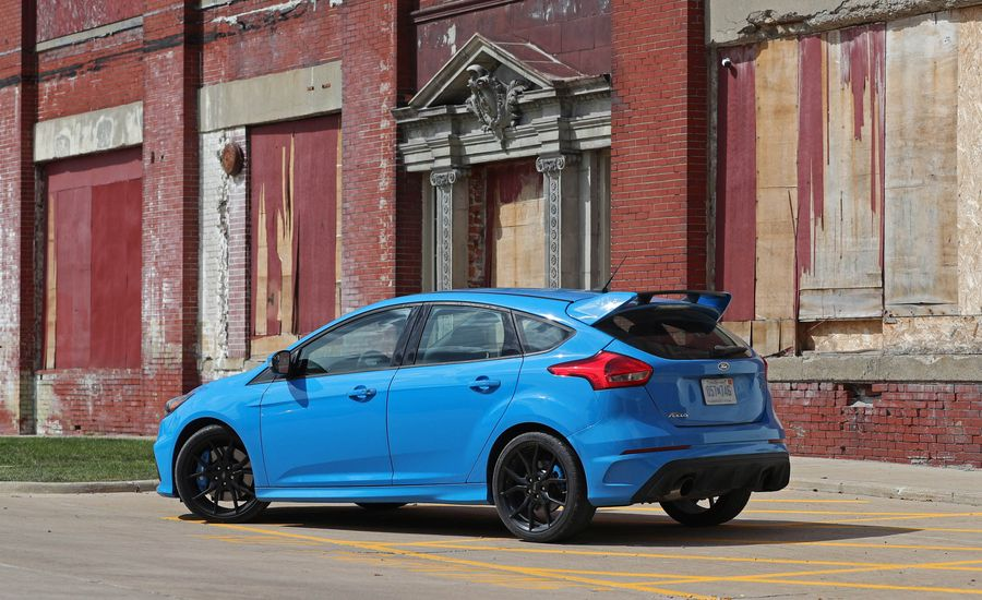 2017 ford focus rs interior review car and driver. Black Bedroom Furniture Sets. Home Design Ideas