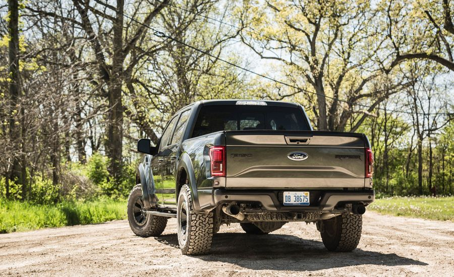 2017 ford f 150 raptor cargo space and storage review car and driver. Black Bedroom Furniture Sets. Home Design Ideas