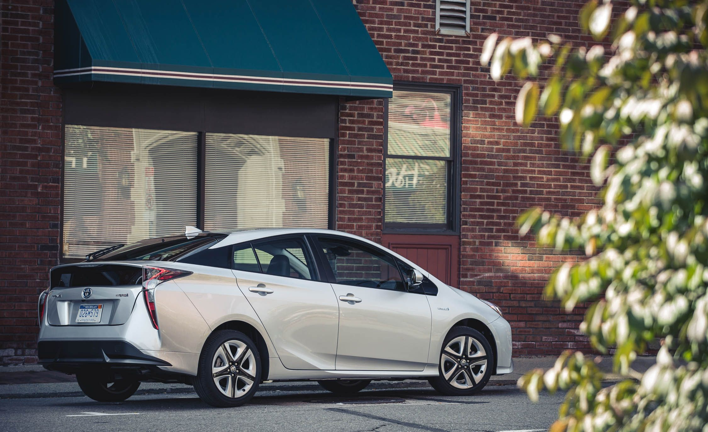 2018 toyota prius interior review car and driver rh caranddriver com toyota prius interior photos toyota prius interior photos