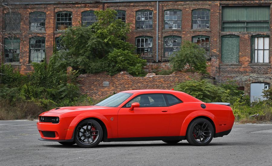 2018 Dodge Challenger Srt 392 Srt Hellcat Interior Review Car And Driver