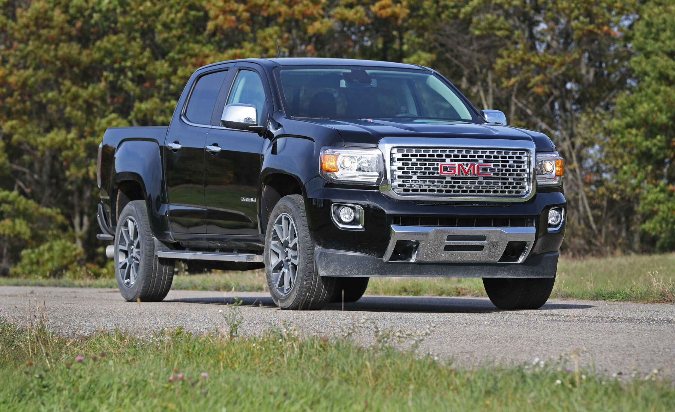 photo gmc and test s fuel canyon review original driver economy car reviews