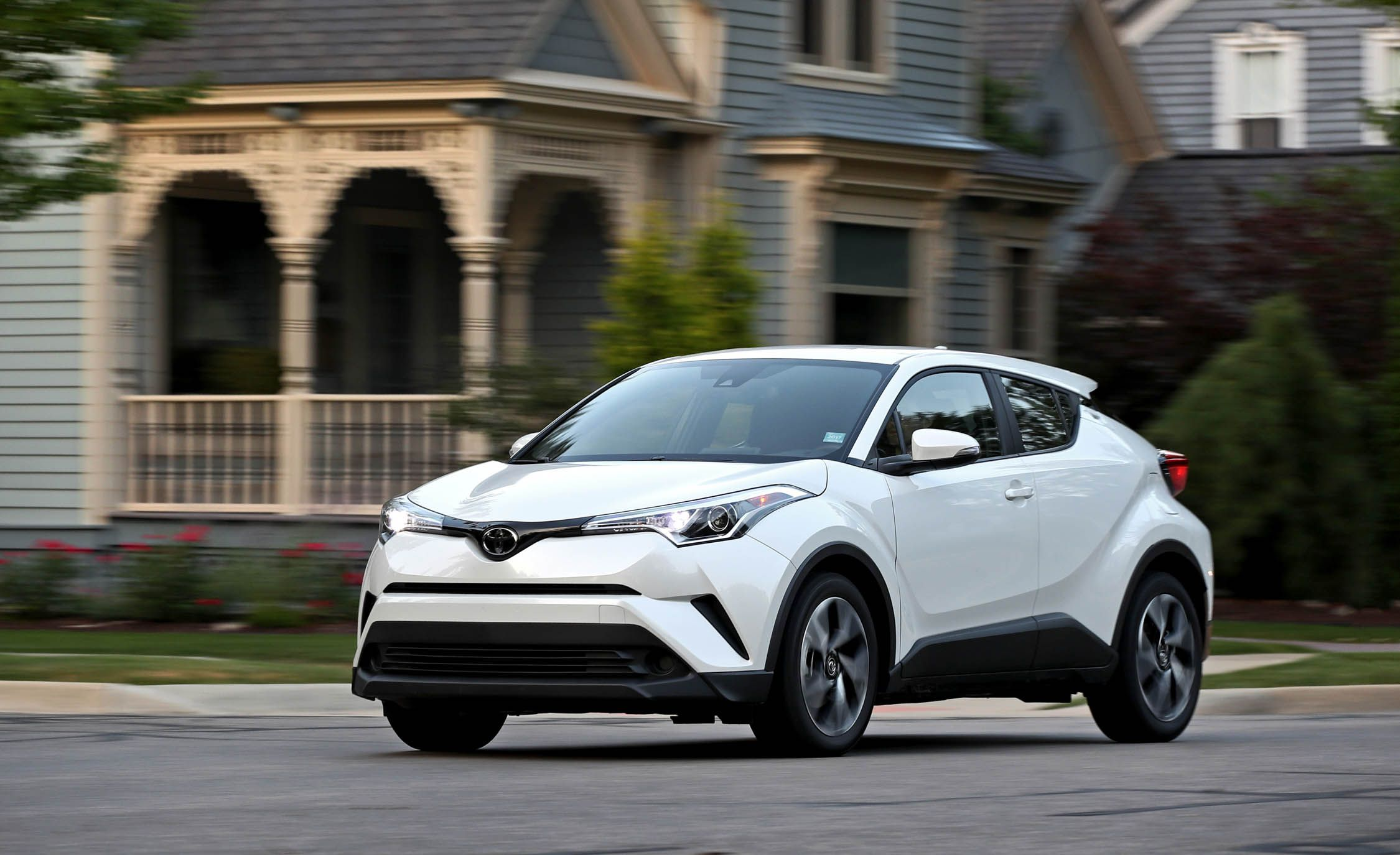 2018 Toyota C-HR | Performance and Driving Impressions ...