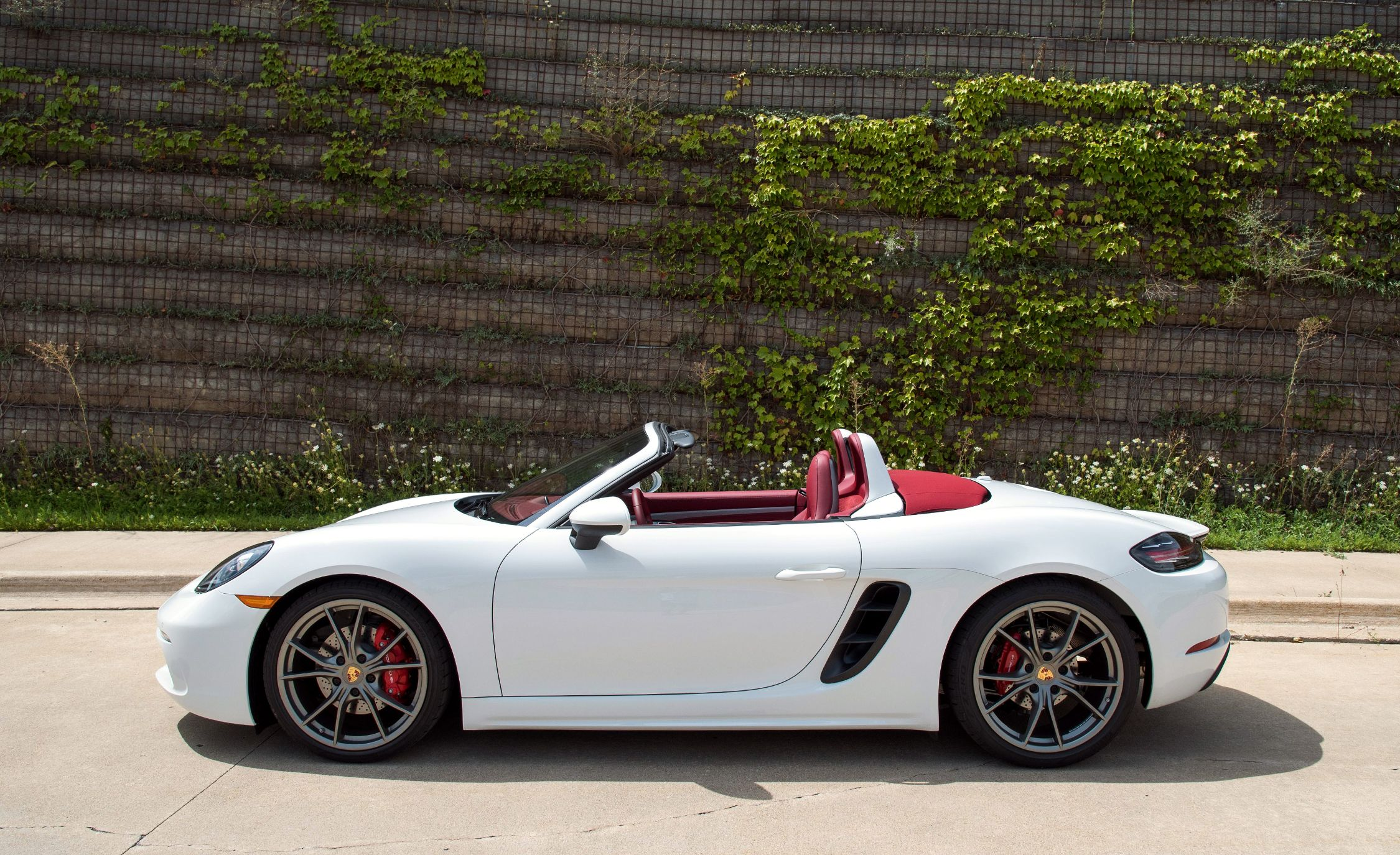 2017 Porsche 718 Boxster Interior Review Car And Driver