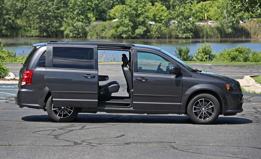 2018 dodge grand caravan interior review car and driver. Black Bedroom Furniture Sets. Home Design Ideas