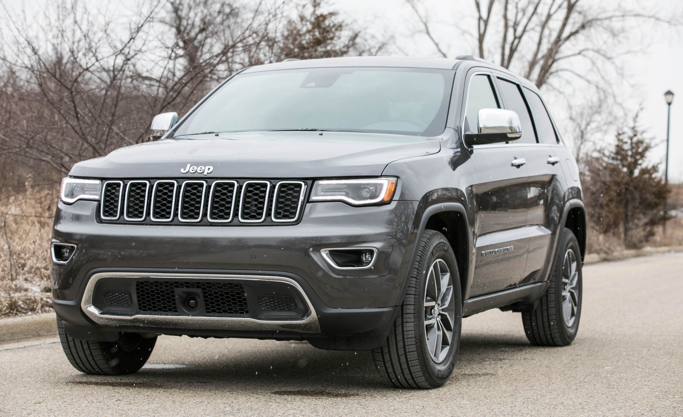 2018 jeep grand cherokee uconnect infotainment review car and driver. Black Bedroom Furniture Sets. Home Design Ideas