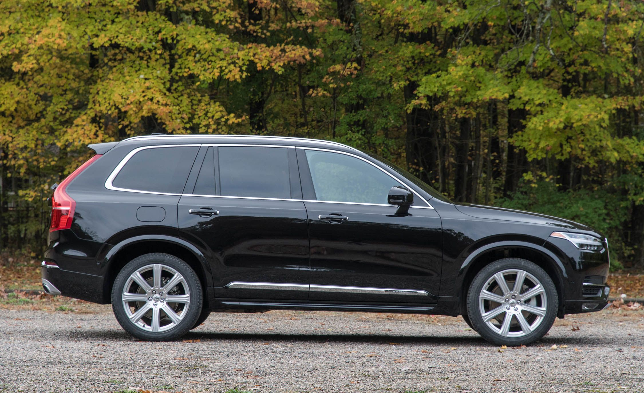 2018 Volvo Xc90 Fuel Economy Review Car And Driver