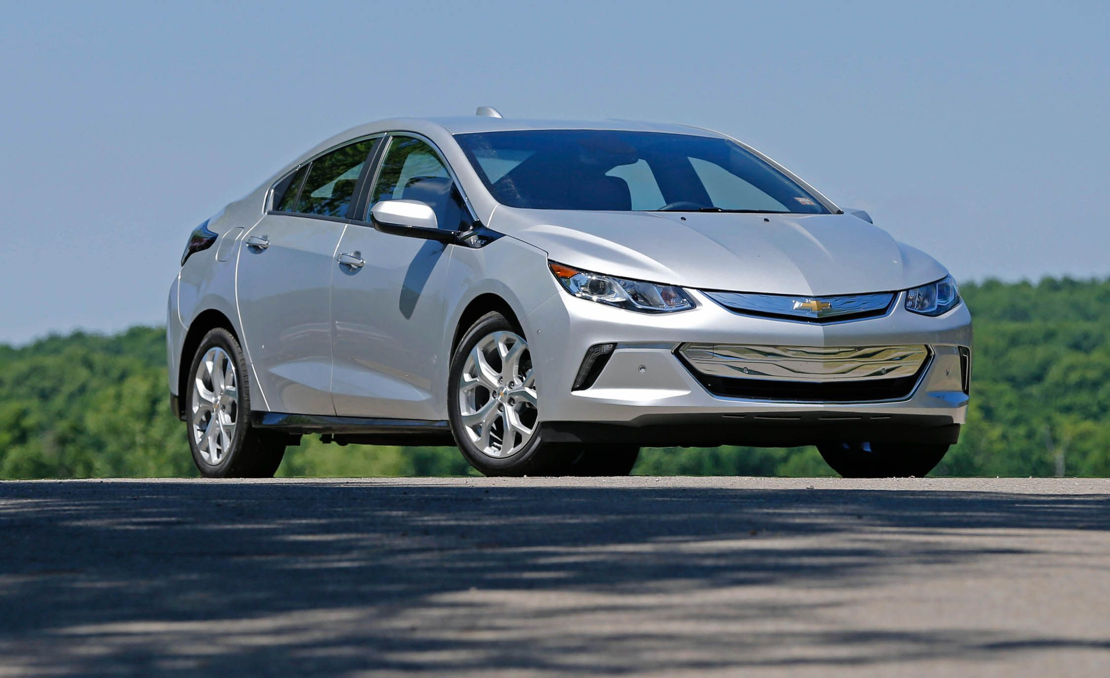 2017 Chevrolet Volt Warranty Review Car And Driver