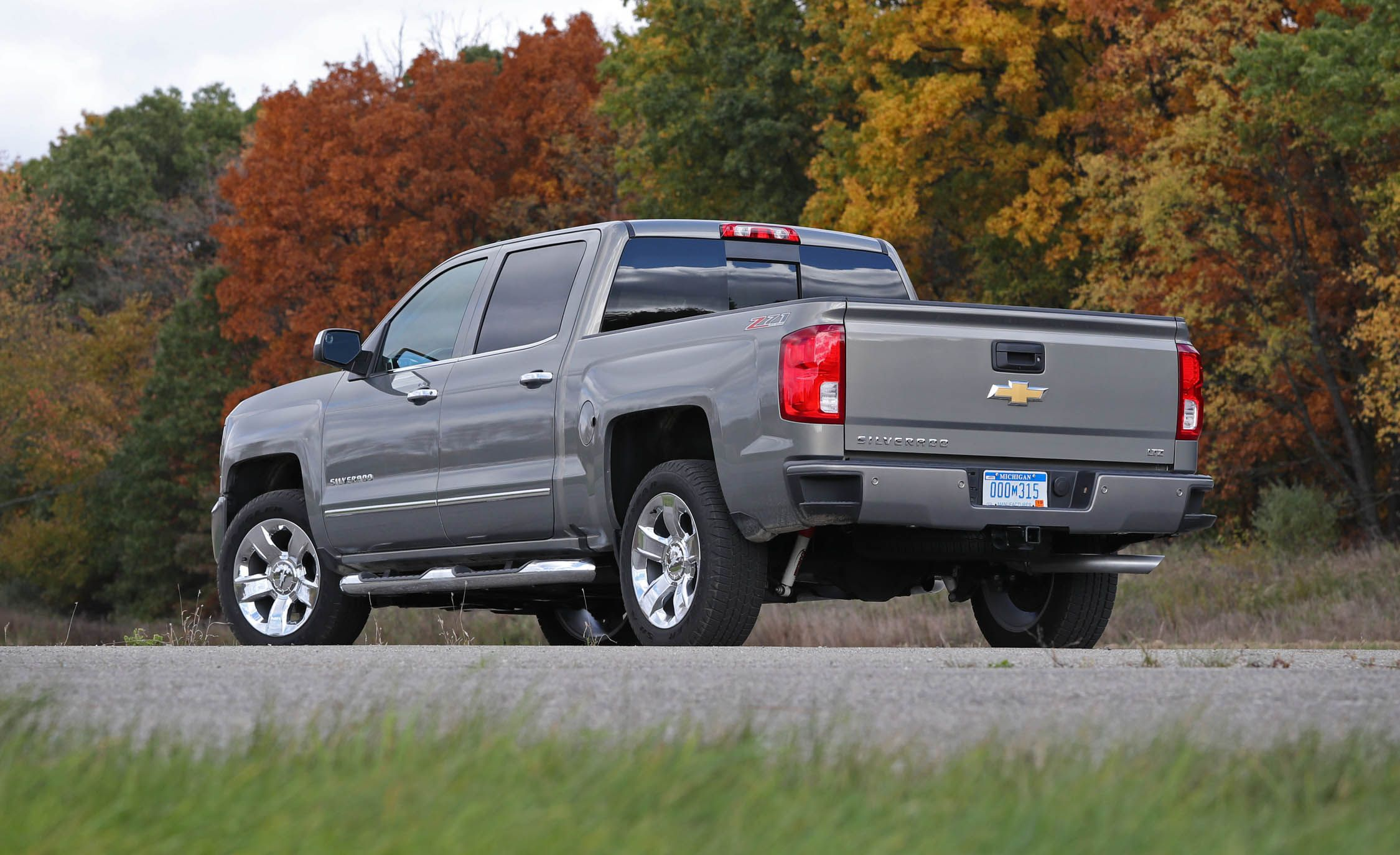 2018 Chevrolet Silverado 1500 | Safety and Driver ...