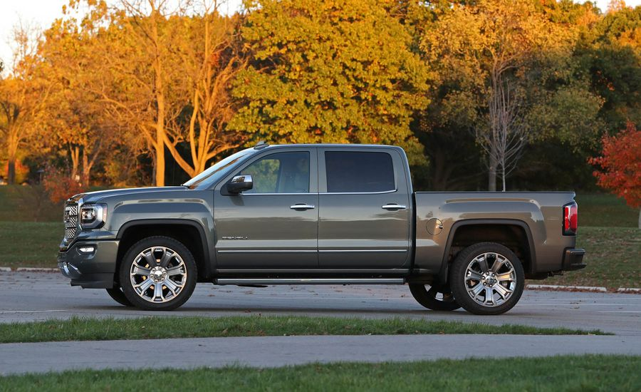 2018 gmc sierra 1500 interior review car and driver. Black Bedroom Furniture Sets. Home Design Ideas