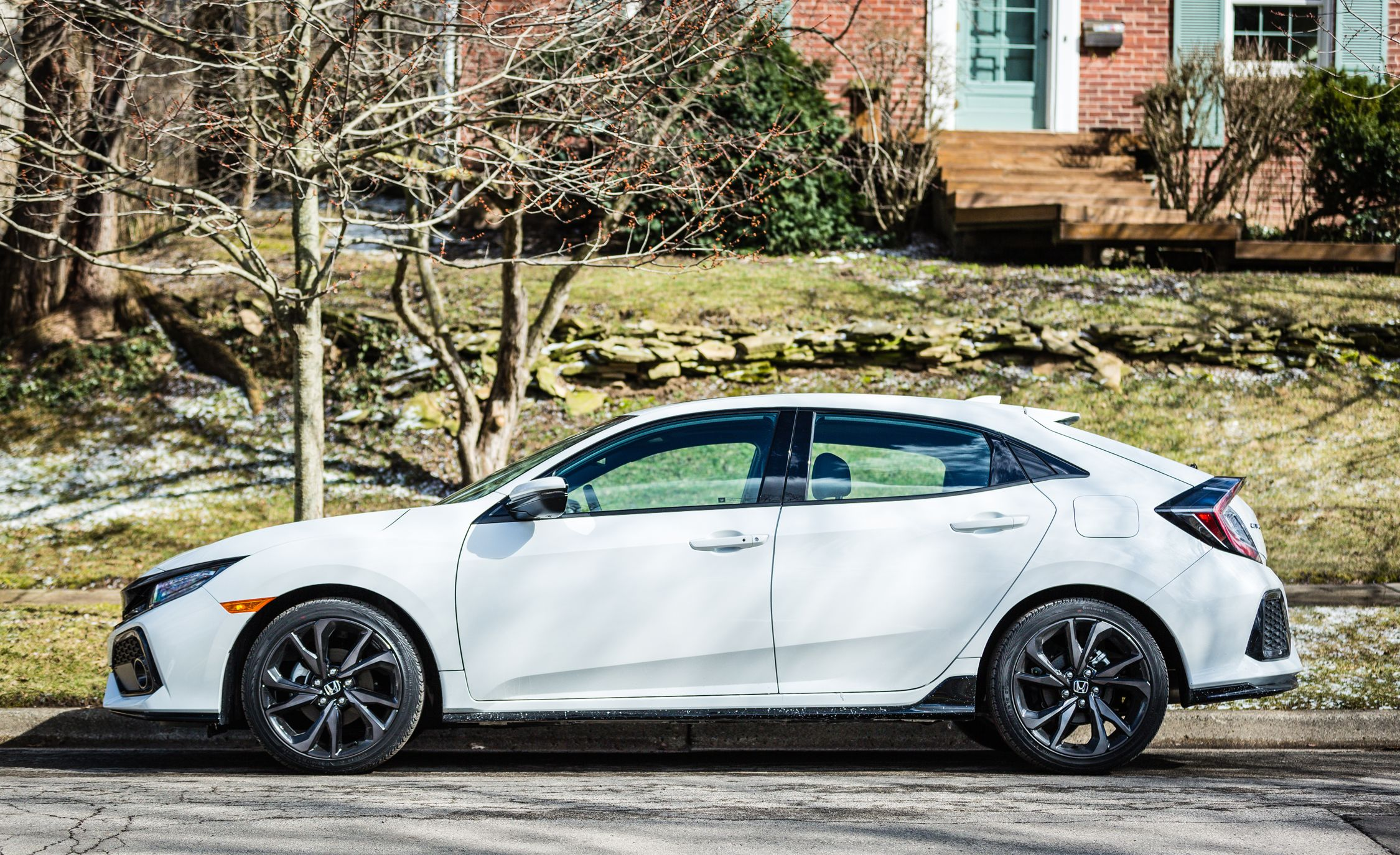 2017 Honda Accord Sport Features >> 2018 Honda Civic | Interior Review | Car and Driver