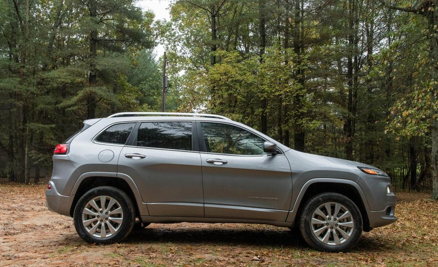 2018 jeep cherokee fuel economy review car and driver. Black Bedroom Furniture Sets. Home Design Ideas