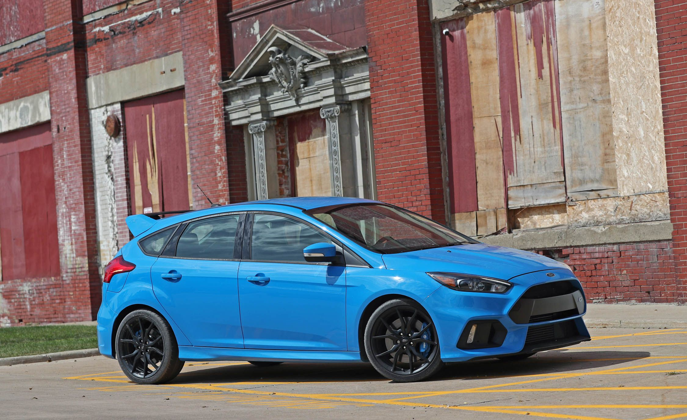 2018 ford focus rs safety and driver assistance review. Black Bedroom Furniture Sets. Home Design Ideas